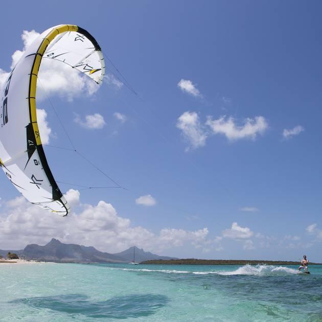10 choses à savoir avant de débuter en kitesurf
